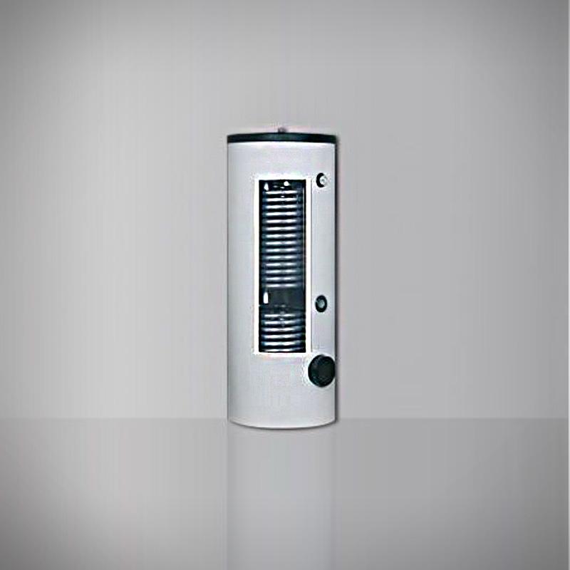 AUSTRIA EMAIL kvalitetni uspravni spremnici će vam pružiti puno tople vode za cijelu obitelj. AE kotlovi za svaku potrebu. Uštede troškova izolacije, velike površine izmjenjivača topline otpornog na kamenac i antikorozivni emajl osiguravaju dugi vijek trajanja. AUSTRIA EMAIL HRS je odgovor na sve veću potražnju za nisko temperaturnim povratom u krugu grijanja sa cilindrom sa vrlo velikim površinama grijanja. Sa svojim duplim cijevnim izmjenjivačem pruža izuzetno visoku učinkovitost prijenosa, ovaj bojler je prvi izbor za energetski svjesne aplikacije, kao što su nisko energetske kuće ili toplinske pumpe.